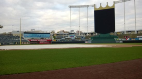 Kauffman Stadium : Field level