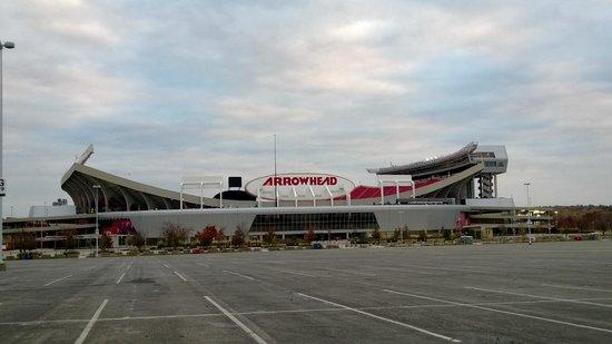 Kauffman Stadium: Arrowhead stadium is right next door