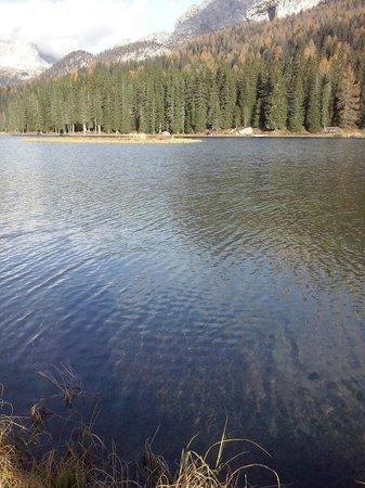 Albergo Ristorante Cacciatori: lago di misurina