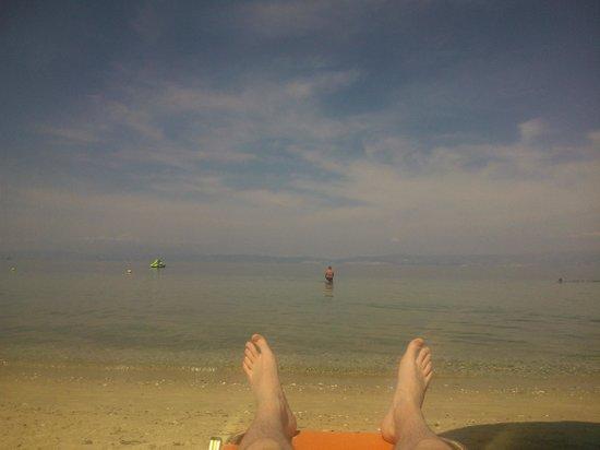 Pachis Beach: Море, в дали видна Кавалла