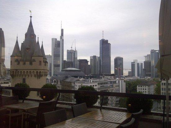 Fleming's Hotel Deluxe Frankfurt-City: Frühstücksraum (Blick)