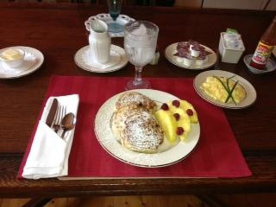 Moore Farm House B&B: Another delicious breakfast