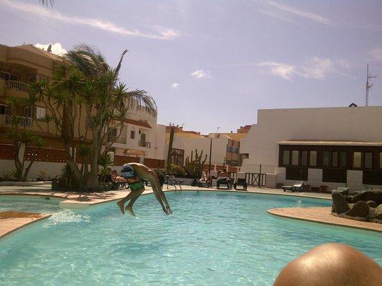 Ineika Funcenter: Erholung am Pool