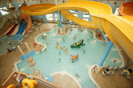 Blue Harbor Resort: Indoor waterpark