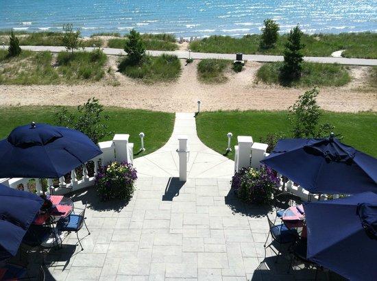 Blue Harbor Resort: Lakeside Grand Staircase