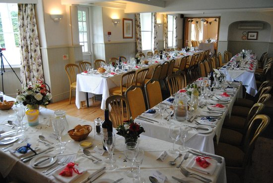 Bodkin House Hotel: The dining room dressed for the wedding breakfast