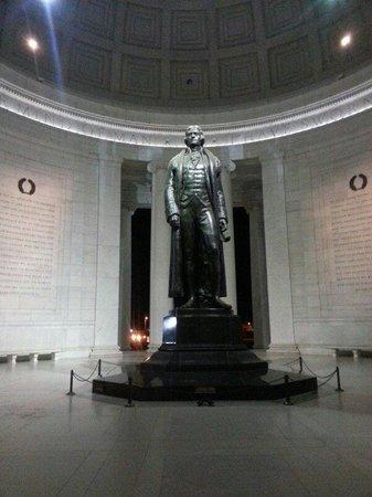 Jefferson Memorial: Jefferson upclose