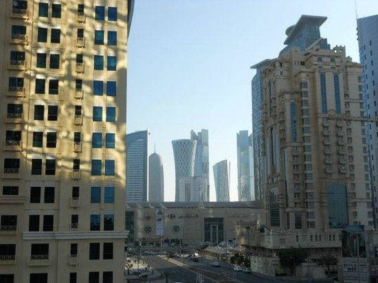 W Doha Hotel & Residences: City view from the pool area