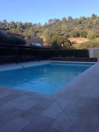 La Bastide du Calalou : Nice pool area and warm water in the pool!