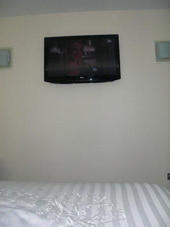 Hotel Roi Soleil Prestige : tv chambre !