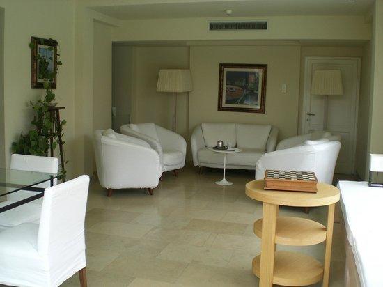 Hotel Villa Martini: холл