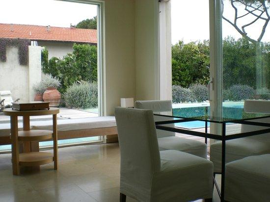 Hotel Villa Martini: вид на бассейн