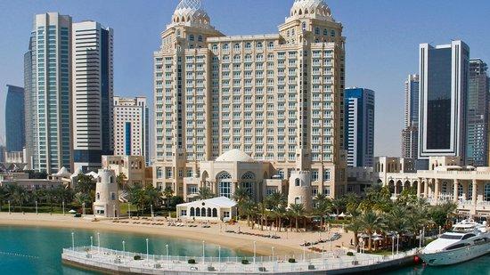 Four Seasons Hotel Doha: Hotel Exterior