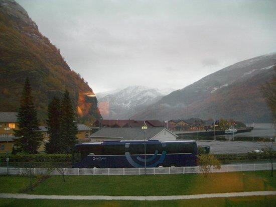 Fretheim Hotel: 部屋からの眺め、雪が降った翌朝