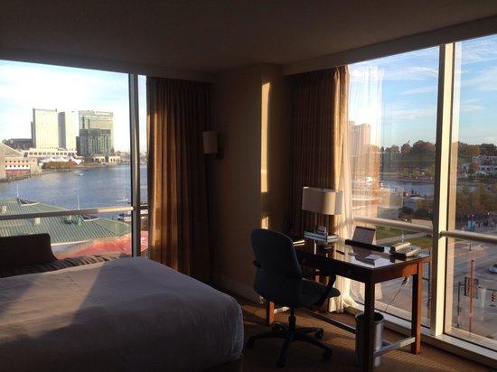 Hyatt Regency Baltimore Inner Harbor: 7th floor corner room view