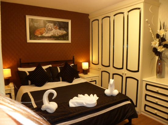 Central Hotel : Room12