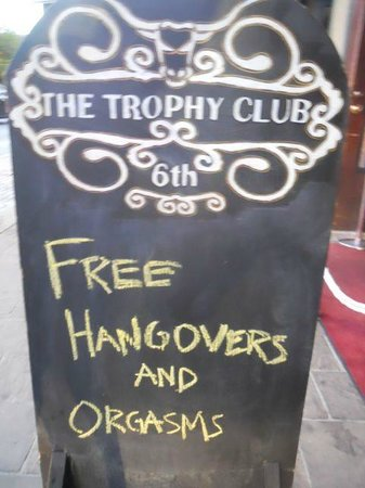 6th Street : Free hangovers and orgasms