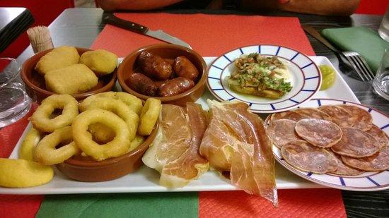 La Bodega Bidarte : Assiette de tapas excellente et expliquée par le chef en personne ! Un régal
