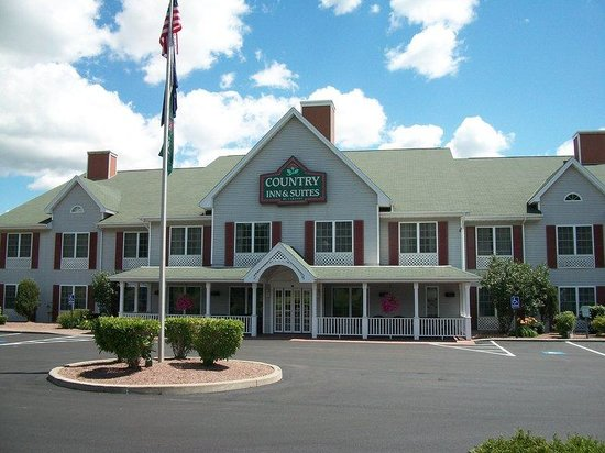 Country Inn & Suites By Carlson, Mount Morris : Exterior