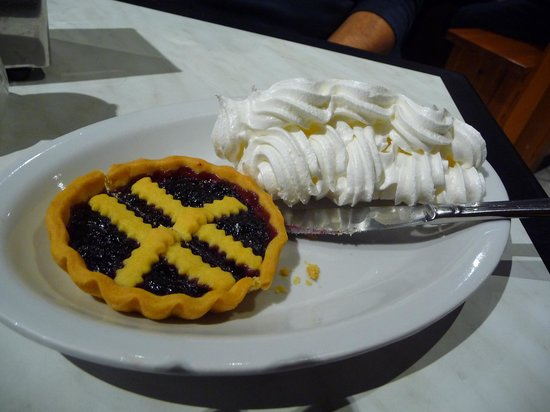 Pâtisserie Turin : tarte myrtilles et meringue