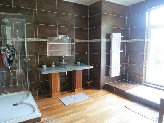 Château des Fougères : superbe salle de bains