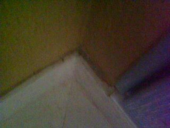 Falésia Hotel: dirty corners