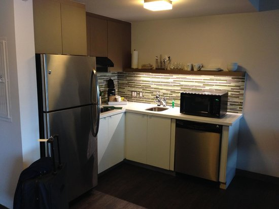 Element Miami International Airport: Küchenbereich