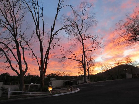 Rustler's Rooste : The sunset from the parking lot was beautiful!