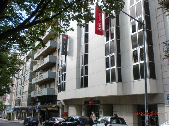 Ibis Lisboa Saldanha: Fachada do prédio