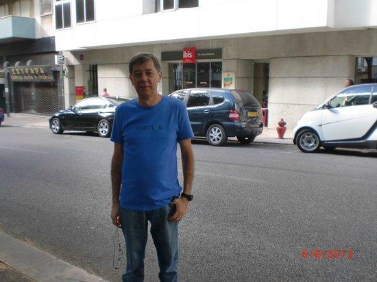 Ibis Lisboa Saldanha: Frente do Hotel