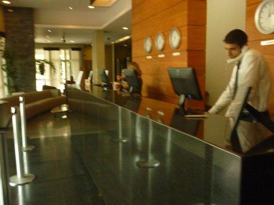 Plaza Barra First : Hall do Hotel Promenade