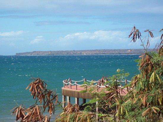 Allamanda Hotel : Vue sur la baie de la terrasse