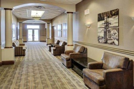 Lakeview Inns & Suites - Fort Saskatchewan : Interior