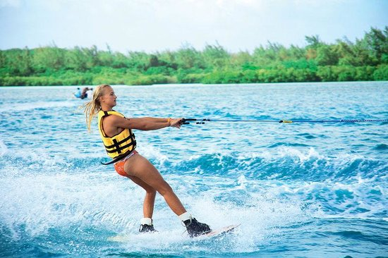 Shangri-La's Le Touessrok Resort & Spa, Mauritius: Wakeboard Water Sports