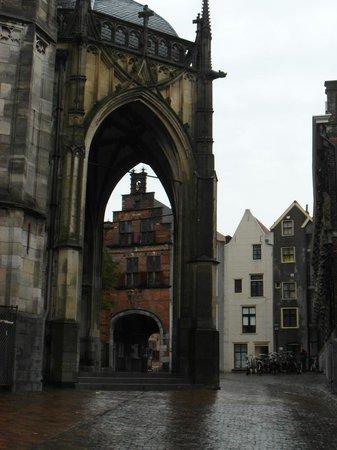 Stevenskerk: View on the entrance