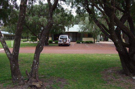 RAC Busselton Holiday Park: Beautiful woodland setting