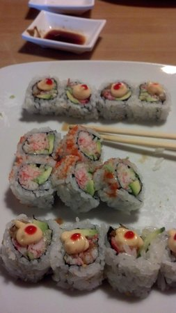 Tokyo Sushi : California and Las Vegas Roll, Yum!