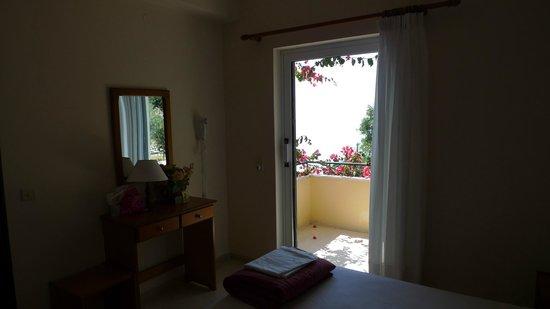 Pelagos Apartments: Вид из номера