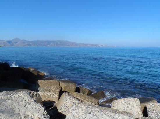 Blue Bay Resort Hotel: Seaview-crete