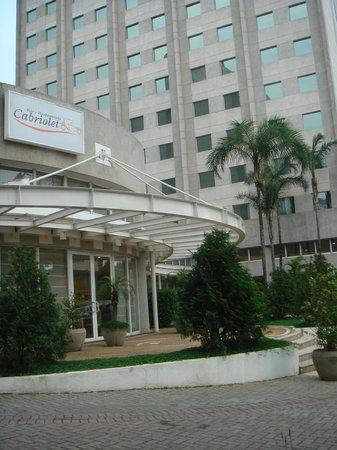 Hotel Mercure Santo Andre : Un'altra vista dall'esterno