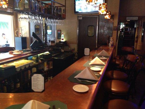 Cafe Des Beaux-arts: The Bar!!
