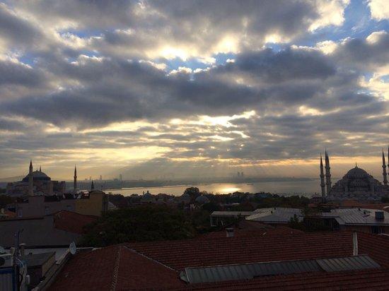 Rast Hotel : Sunrise from breakfast terrace.