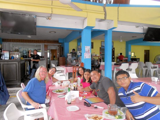 El Coctelito: Freinds and Family