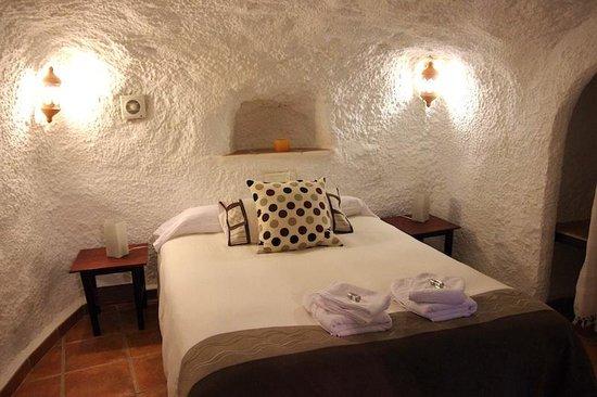 Cuevas El Abanico: Our cave bedroom