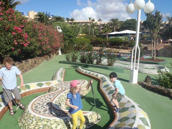 Barcelo Lanzarote Resort: crazy golf