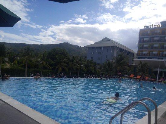 Samui Verticolor : Прекрасный бассейн