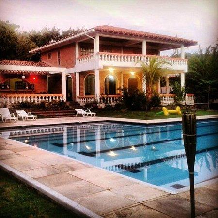 Casona Sheylla's Place: EL PARAISO EN SAN ANDRES