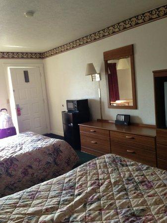 Super 8 Christiansburg: Room