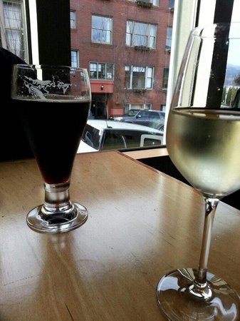 Celilo Restaurant & Bar: Beer and wine