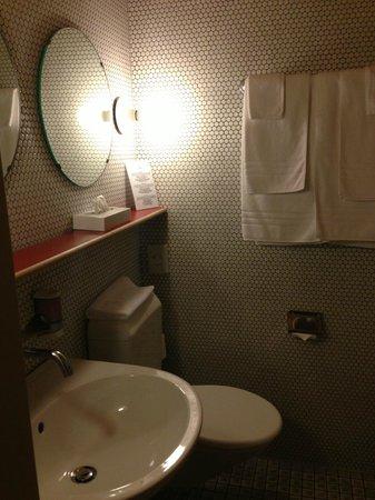 Das Hotel Panorama: bathroom